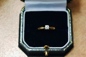 14kt yellow gold Solitare