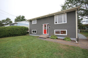 RENOVATED HOME IN CENTRAL COLE HARBOR