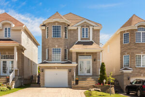 Beautiful family home situated in booming Laval