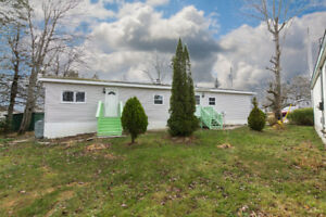 BEAUTIFULLY RENOVATED MINI-HOME IN BEAVER BANK ONLY $69,900!