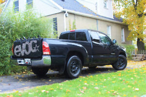 2008 Toyota Tacoma pickup truck - MANUAL (rare)