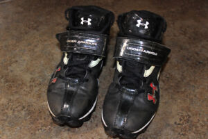 Under Armour Football Cleats Size 5Y
