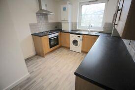 3 bedroom flat in Longton Avenue, London, SE26