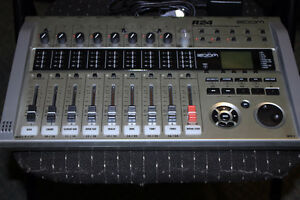 ZOOM R 24 recorder