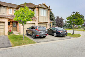 Town House for Sale in Whitby Ontario!