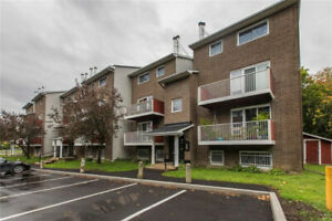2 Bedroom Stacked Condo in Sawmill Creek Close to Everything!