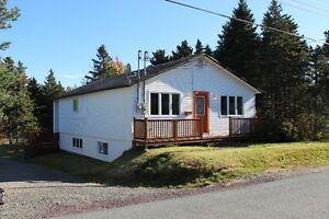 Great 2 apartment home in quiet area of Holyrood!