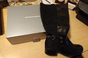 BRAND NEW IN BOX Cloudwalker Thea Full Back Boots - Size 9.5