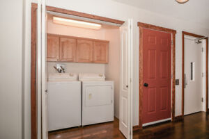 Fernie Home For Rent - min 30 D - SEPT TO END OF DEC AVAILABLE