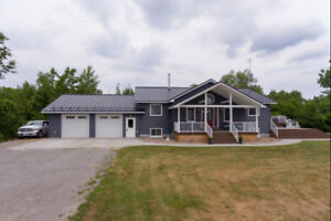 Move In Ready Bungalow Situated On 9.04 Acres! 3+1 Bedrooms!