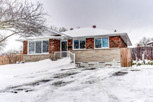 JUST LISTED! OPEN HOUSE SAT & SUN 2-4PM! Just Move In! ...