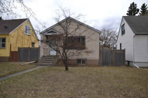 2 Bedroom House + 2 Bedroom Basement Suite - Centrally located