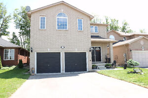 4+1 Bedrooms & 4 Bath- Great property backing onto parkland !