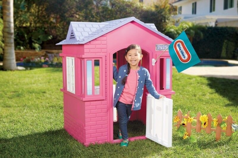 Little Tikes Cape Cottage indoor/outdoor Playhouse