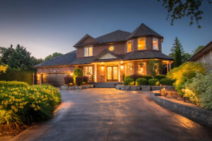 Executive home in the heart of Kincardine