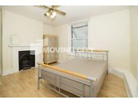 Studio flat in Commercial Road, E1