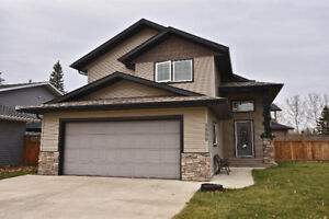 Immaculate home with a great view of Dodds Lake!