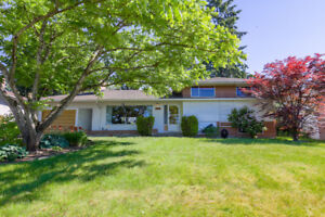 $2100 4 BR Well-Kept Home in desirable Royal Heights SURREY
