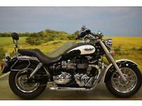 Triumph Bonnie American 2011**FORWARD CONTROLS, LOW SEAT HEIGHT, SHOT PIPES**