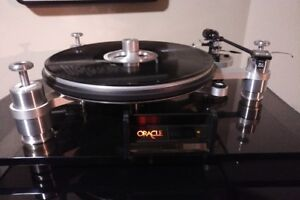 Oracle Delphi 11 turntable