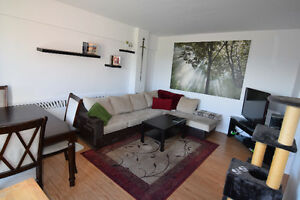 Large 2 Bedroom apt, Pointe-Claire