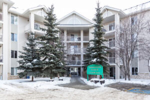 Exceptional TOP FLOOR Central Edmonton 2 bed 2 bath Condo!