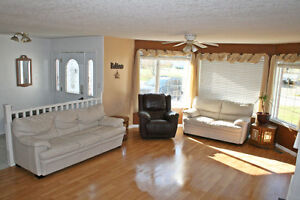 Very Nice Family or Executive Home Prince George British Columbia image 3