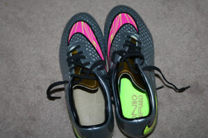 Soccer Cleats Size 8 US