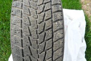 1 seul pneu d'hiver TOYO Observe G-02 plus, 185-60-14 pour $15