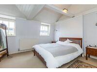 Large 2 bedroom flat to rent in Angel, N1