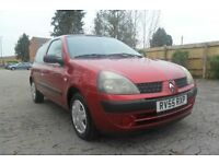 RENAULT CLIO EXPRESSION 16V 2005 Petrol Manual in Red