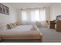 Beautiful Three Bedroom House In Crossharbour!!! Available Now!!! Must See It!!!