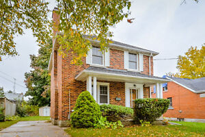 Charming 3 bed downtown home - newly renovated! *NOW Available*