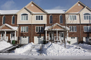 Fabulous 2 storey townhouse in sought after Ravines of Bedford