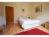 2 bedroom flat in Broughton Road, Bellevue, Edinburgh, EH7 4JH
