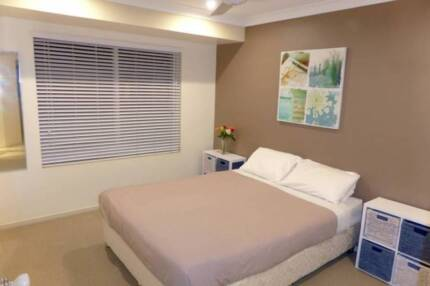 Noosa Room for non-smoking female 18-25