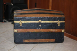 Steamer trunk storage box