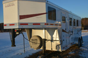 2009 Lakota Charger Horse Trailer