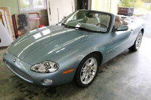 2002 Jaguar XK8 4.0L V8 Convertible