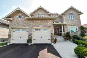 ABSOLUTELY GORGEOUS 2 STOREY HOME WITH HIGH QUALITY CRAFTMANSHIP