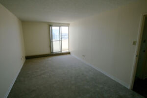 Room for female at Holiday Tower Downtown