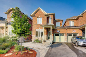 Gorgeous Linked Home in Richmond Hill,Ravine Lot, Lowest PRICE!!