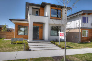 Contemporary Style Home in The Ponds in Upper Mission