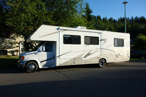 2004 Four Winds Chateau class c motorhome with slide