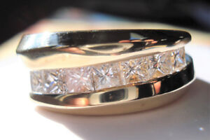 STUNNING!!! 14k Yellow Gold 1.00 carat Diamond Princess cut Ring