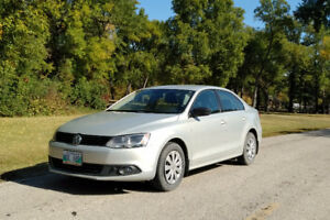 2011 VW Jetta 2.0. Only 40,000 Km (or140,000 less than normal!!)