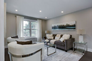 STUNNING RENOVATED BUNGALOW IN CENTRAL NEWMARKET! 4 BR + 3 Bath