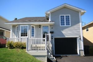 Mount Pearl doll house | Prime location | Better than new!