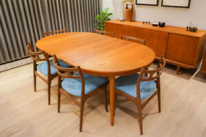Sibast Teak/Oak Extendable Round Dining Table