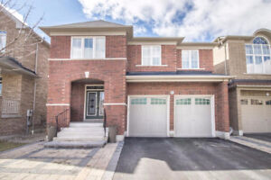 A 4 Bedroom Detached House in Ajax for Rent